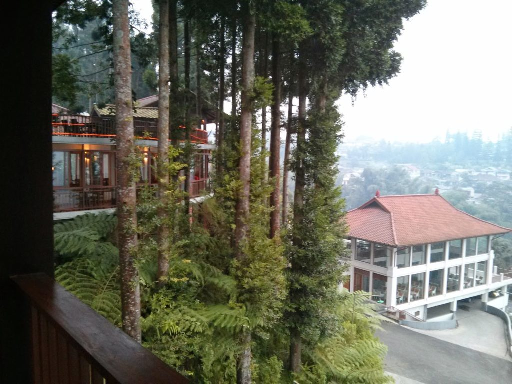 Puncak Escape : The GrandHill Bistro-Café & Resort-Hotel