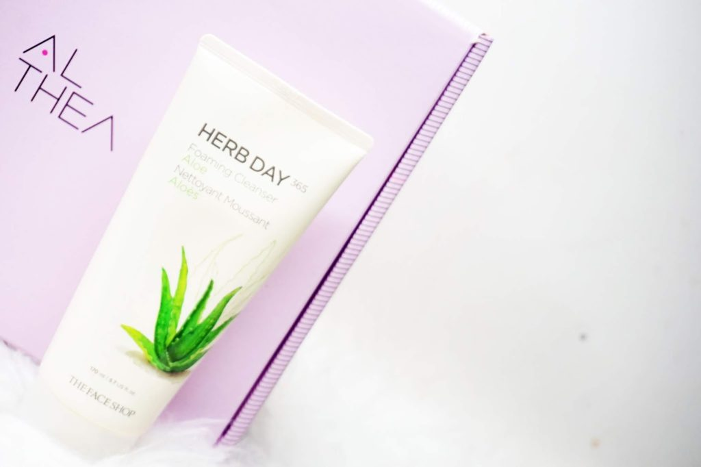 3. The Face Shop Herb Day 365 Cleansing Foam Aloe